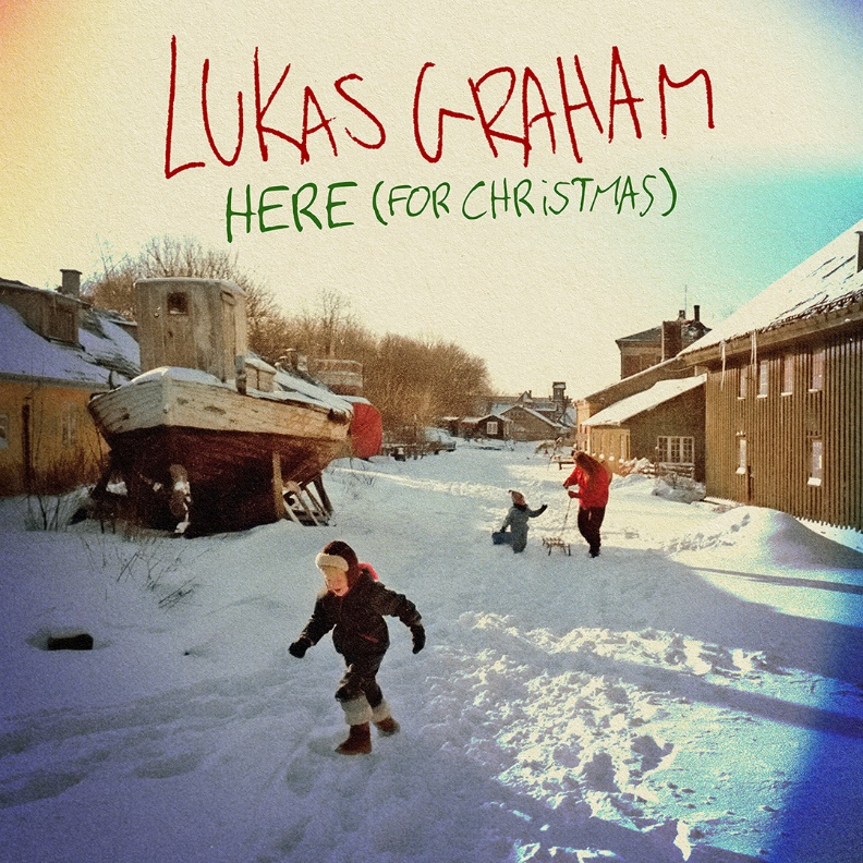 "LUKAS GRAHAM споделят нова песен за зимните празници ""HERE (FOR CHRISTMAS)"""