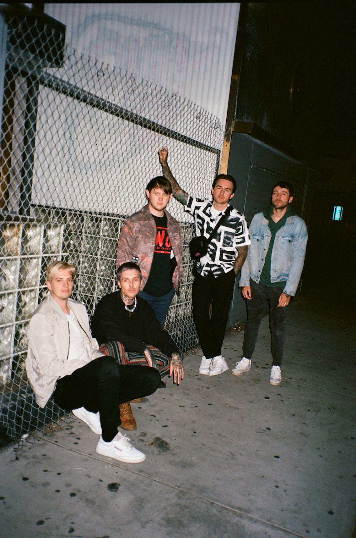 Bring Me The Horizon с нов сингъл и нов албум