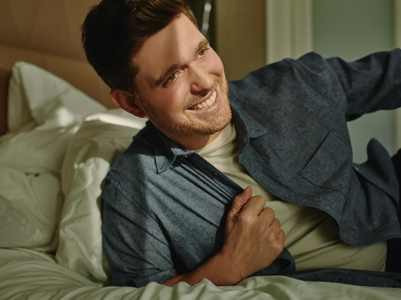 Michael Buble става част от семейството на Alexa